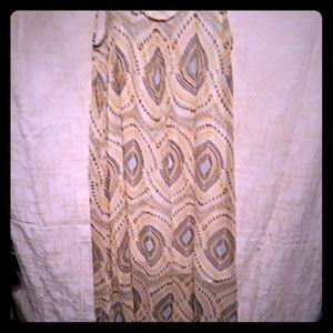 Sleeveless dress w/ crochet back